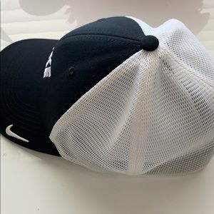Nike Accessories - Nike hat legacy 91 dri-fit